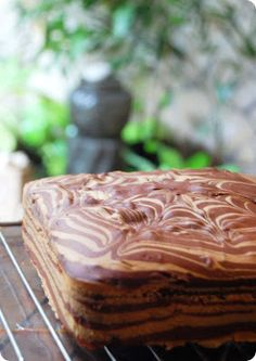 BakeBakeBake - Moist Marble Cake Elazier we should do a test run on this recipe! Marble Cake Recipe Moist, Cake Receipe, Marble Cake Recipes, Sponge Cake Recipes, Dessert Recipes, Marble Sheet Cake Recipe, Marbel Cake, Basic Cake, Cake Recipes From Scratch