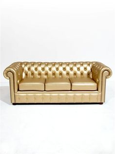 High quality Gold Chesterfield Sofa Three Seater available to hire. View Gold Chesterfield Sofa Three Seater details, dimensions and images. Superhero Theme Party, Party Themes, Party Ideas, Sofa Design, Arabian Nights Theme Party, Chesterfield Armchair, James Bond Party, Vegas Theme, Home