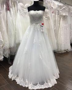 Absolut Braut On Instagram Ein Weiteres Brautkleid Mit Nikolaus Mutze Das Konnt Ihr Zum Nikolaustag Ab 15 00uh In 2020 Dresses Wedding Dresses Wedding Dresses Lace