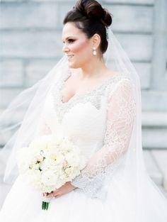 Glam bride: http://www.stylemepretty.com/little-black-book-blog/2014/12/09/glamorous-victorian-inspired-st-louis-wedding/ | Photography: Clary Pfeiffer - http://www.claryphoto.com/