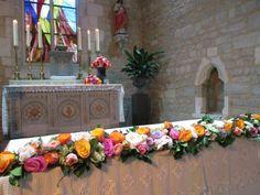 Décors fleurs cérémonie mariage religieux île de ré La Rochelle  #louisdubois #mariage #fleuriste #ilederé #ceremoniereligieuse #eglise #autel #wedding #florist #church