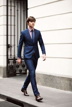 http://www.lovethispic.com/uploaded_images/184528-Slim-Navy-Blue-Suit.jpg