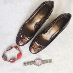 """Snakes skin design shoes Very pretty in person . Perfect for any season . About 3"""" heel. In EUC . No signs of use except last pic. Only on 1 feet and not viable at all when u wear it . Size says 8.5 M. Shoes Heels"""