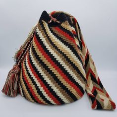 33 отметок «Нравится», 1 комментариев — Welawayuu เวลาวายู (@wela.wayuu) в Instagram: «❤️ Wayuu bag Double thread size L รุ่นด้ายคู่ ไซส์ L เส้นผ่าศูนย์กลางก้นกระเป๋า 25 ซม.…»
