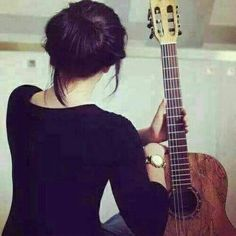 Discovered by Find images and videos about ❤, ًًًًًًًًًًًًً and بنات كيوت on We Heart It - the app to get lost in what you love. Guitar Photography, Girl Photography Poses, Lovely Girl Image, Girls Image, Girl Pictures, Girl Photos, Profile Pictures, Stylish Dpz, Guitar Girl