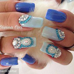 @Regrann from @divinacor.nailbar -  As melhores pedrarias  @tata_customizacao_e_cia  www.tatacustomizaçãoecia.com.br  #simonetis #divinacor - #regrann