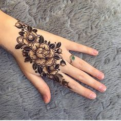 40 Latest mehndi designs to try in 2019 - Henna tattoo - Henna Designs Hand Henna Hand Designs, Mehndi Designs Finger, Modern Henna Designs, Latest Arabic Mehndi Designs, Floral Henna Designs, Stylish Mehndi Designs, Mehndi Designs For Fingers, Beautiful Mehndi Design, Mehndi Art Designs