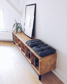37 inspirations pour oser l'OSB – Page 3 sur 6 - Wood Designs Plywood Furniture, Rustic Furniture, Home Furniture, Furniture Design, Antique Furniture, Furniture Dolly, Furniture Market, Outdoor Furniture, Furniture Storage