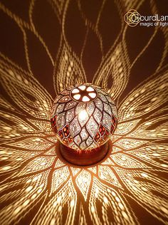 Swirl leaves Design Calabash Lampen von - The Best Latex Mattresses Gravure Laser, Leaf Projects, Diy Lampe, Glass Painting Designs, Lampe Decoration, Deco Nature, Gourd Lamp, Leaf Design, Design Table