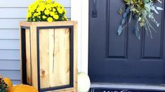 25+ DIY Handmade Christmas Gift Ideas You Can Give This Year! Diy Storage Desk, Diy Desk, Diy Shutters, Wooden Lanterns, Easy Diy, Simple Diy, Diy Kitchen Cabinets, Diy Fireplace, Diy Entertainment Center