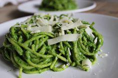 Hou je van avocado, spaghetti en spinazie? Probeer deze hulk pasta dan eens!