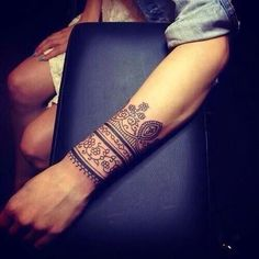 54660a5057c66 Beautiful Henna Tattoo Designs For Your Wrist - Tattoos Pictures Arm Band  Tattoo, Cuff Tattoo