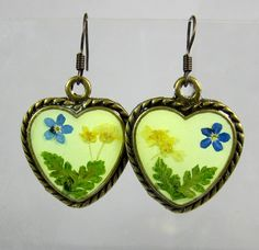 Skip to my Lou Pressed Flower Earrings by PressedFlowerJewelry