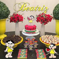 Mesa com vasos e bolo decorado da Magali. Flamingo, Ale, Birthday Cake, Party, Crafts, Food, Arya 2, Mickey Safari, Cake Pop
