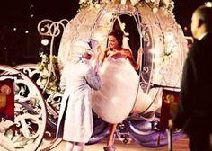 気分はシンデレラ!一度は乗ってみたいかぼちゃの馬車の結婚式が素敵すぎ♡