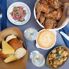 What to Eat at Birds & Bubbles- Fired chicken and champagne