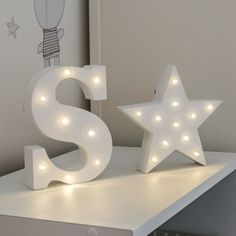 Our marquee battery light up circus range is designed to bring a touch of Hollywood glitz and glamour to your home or event décor. Alphabet Wallpaper, Pop Art Wallpaper, Name Wallpaper, Cute Wallpaper For Phone, Colorful Wallpaper, Light Up Marquee Letters, Diy Letters, Fancy Letters, Alphabet Images