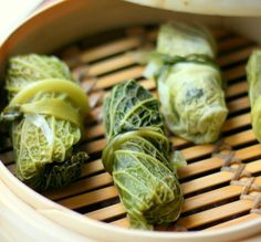 Bamboo Steamed Stuffed Cabbage with Tomato Sauce