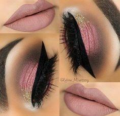 Makeup Eye makeup and lipstick #Makeup #EyeMakeup #Lipstick #MakeupLovers