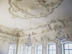 Another example.  You could get a very romantic, Victorian feel with these ceiling decorations.,,