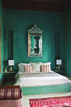 Camera unui boutique hotel de inspiratie orientala:  El Fenn, Marrakech. Locul ideal pentru o vacanta atipica.