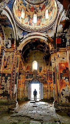Kars TURKEY- The city of a thousand churches aka Ani. Beautiful Buildings, Beautiful Places, Places Around The World, Around The Worlds, Turkey Places, Underground Cities, Travel Tags, Brunei, Historical Monuments