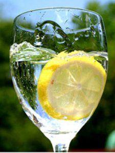 Lemon Water-Info on health benefits of drinking lemon water.