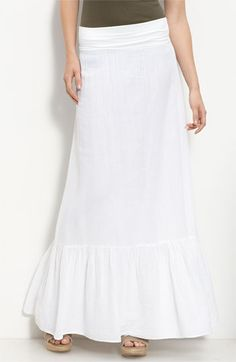 love flowing white skirts, probably a bit of my hippie side coming out ;)