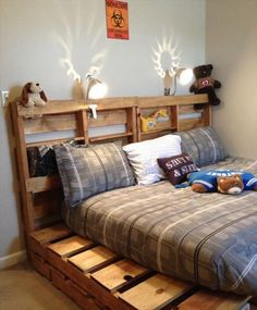 42 DIY Recycled Pallet Bed Frame Designs | 101 Pallet Ideas - Part 4 - creative way to reclaim the pallets for furniture, build this pallet #bed frame with decorative headboard accent!
