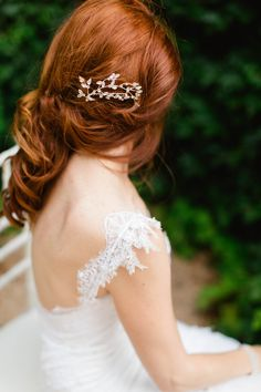 Delicate lace sleeve