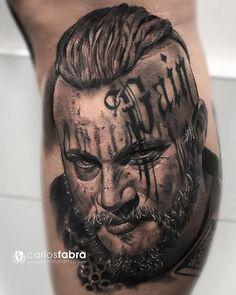 El rey Ragnar. Empezamos la pierna de Vikingos del gran @strongmantarrako Gracias amigo por todo y pronto continuamos! Realizado en @cosafina_tattoo con @aloetattoo @skin2paper @radiantcolorsink @travisfimmelofficial #tattoo #tatuaje #tattoos #vikings #ragnar #viking #aloetattoo #skin2paper #radiantink #cosafinatattoo #carlosfabra
