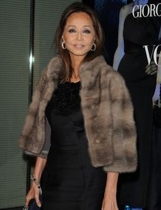 20 Celebrities Rockin The Mink Fur Style. Inspiration mink fur outfits from the classi a listers such us, anna wintour, kris jenner, olivia palermo and Mature Fashion, Fur Fashion, Fashion Outfits, Womens Fashion, Fur Vest Outfits, Formal Chic, Designer Party Dresses, Fabulous Furs, Fur Stole