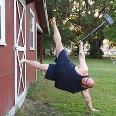Levering a 10lb sledgehammer in the Maximus pose! #AnUnconventionaLife #huskyninja #unconventionaltraining #yoga #bodyweightexercise #flexibility #calisthenics