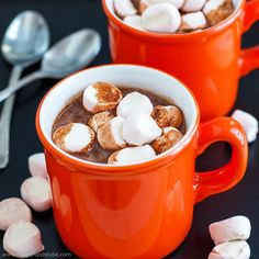 Hot Chocolate Spiked With Rum | HappyFoods Tube
