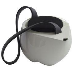 Teapot by Simon Kaempfer.