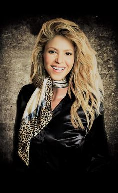 Shakira, Silk Neck Scarf, Female Singers, Neck Scarves, Leather Jacket, Ascot, Beauty Queens, Corsets, Sexy