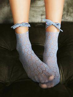 Blue Belt Patchwork Nylon Fashion Legging Smart Women Never Go for Boring Socks, Do You? Sheer Socks, Socks And Heels, Ankle Socks, Foot Socks, Fashion Socks, Fashion Heels, Leggings Fashion, Looks Rockabilly, Nylons