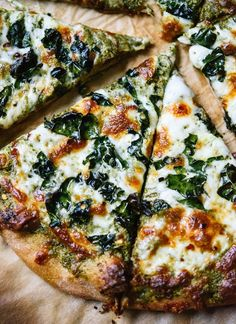 Kale pesto pizza is a simple and fun weeknight pizza recipe! Vegetarian Recipes, Cooking Recipes, Healthy Recipes, Kale Recipes, Recipes With Pesto, Cooking Pork, Skillet Recipes, Cooking Tools, Cooking Classes