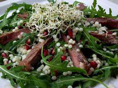 Salata cu rucola, vita si cus-cus Carne, Green Beans, Beef, Vegetables, Food, Salads, Meal, Essen, Vegetable Recipes