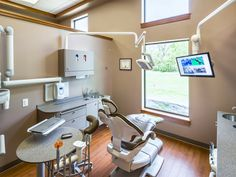 Primus Dental Design and Construction : treatment room. A-dec 500 dental chair, A-dec 500 side delivery system, A-dec LED dental light.