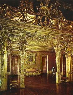 Alcove Room, Palazzo Reale, Turin, Piedmont, Italy Baroque Architecture, Historical Architecture, Amazing Architecture, Piedmont Italy, Turin Italy, Palace Interior, Grand Homes, Beautiful Castles, Northern Italy