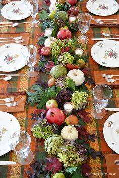 16+ Creative Ideas for Adding Fruit and Veggies in Flower Arrangements – Home is Where the Boat Is #ediblecenterpiece #fallcenterpiece #falltablescape