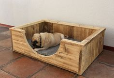 Wood / Pallet dog basket / bed.