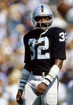 Before Fantasy football, if you went over the middle you had to pay someone like Jack Tatum. Oakland Raiders Logo, Okland Raiders, Raiders Players, Raiders Baby, Raiders Stuff, Raiders Hoodie, But Football, Sport Football, Football Players
