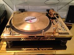 Technics SL-1200 LTD with 24k Gold Plated. Varygold Limited Edition Nr. 2/50