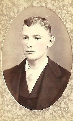 CDV PHOTO HANDSOME CLEAN CUT YOUNG BOY NICELY DRESSED READING PA