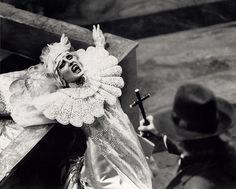 Дракула Брэма Стокера / Bram Stoker`s Dracula (1992) :: Люси и Ван Хелсинг (768*617) Дракула Брэма Стокера