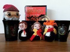 Another scene of the little crazy crochet project... flipagram on the go.  Une autre scène de ce projet... un flipagram est en cours.  #crochet #serialhooker #crazyhooker #crochetaddict #amigurumi #griffyndor #ravenclawforlife #harrypotter #harryronhermione by delichoque