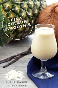 Plant-based/vegan and gluten-free. Makes the perfect post-workout smoothie! Vegan Sweets, Vegan Desserts, Vegan Recipes, Free Recipes, Dessert Recipes, Easter Desserts, Strawberry Desserts, Drink Recipes, Delicious Desserts