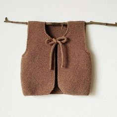 Woodlands Baby Waistcoat (DK Version) Knitting pattern by Agasalhos e Bugalhos